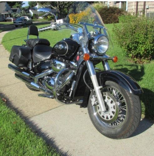 2003 Suzuki Intruder Black photo