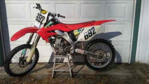 2004 Honda CRF Red photo
