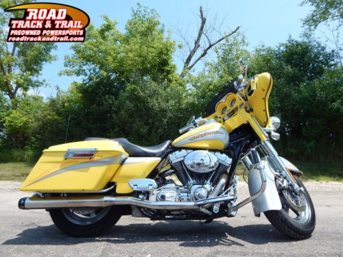2005 Harley-Davidson FLHTCSE2 -CVO  Electra Glide® Classic -- Silver photo