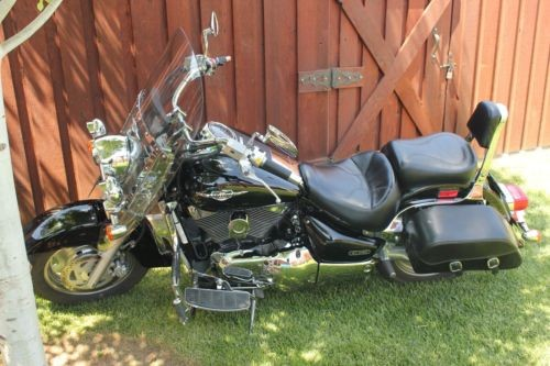 2005 Suzuki Boulevard Black photo