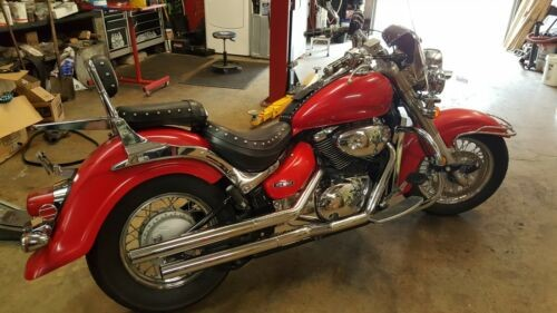 2005 Suzuki Boulevard Red photo