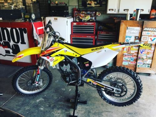 2005 Suzuki RM-Z Yellow photo