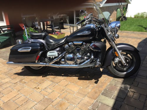 2005 Yamaha Royal Star Tour Deluxe Black photo