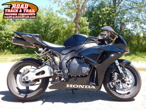 2006 Honda CBR -- Black photo