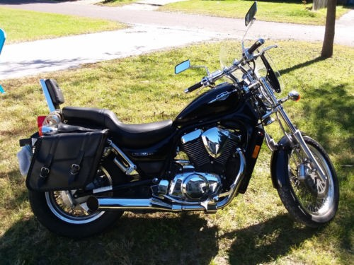 2006 Suzuki Boulevard Black photo