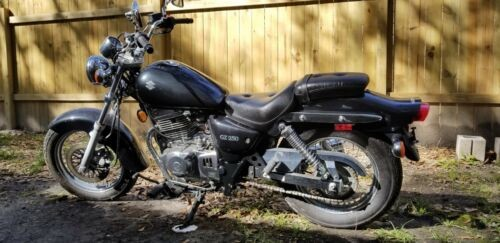 2006 Suzuki GZ250 Black photo