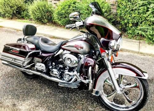 2007 Harley-Davidson Touring Burgundy photo