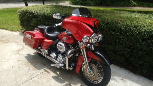 2007 Harley-Davidson Touring Red/black photo