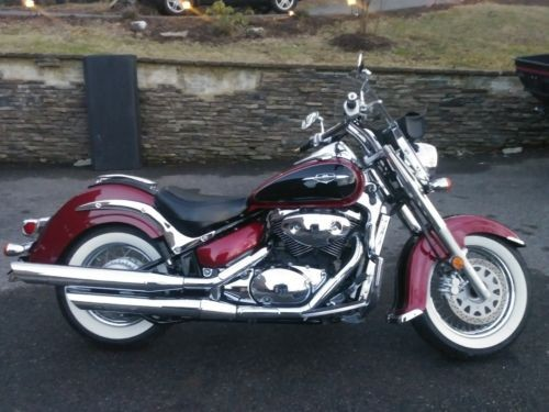 2007 Suzuki Boulevard red & black photo