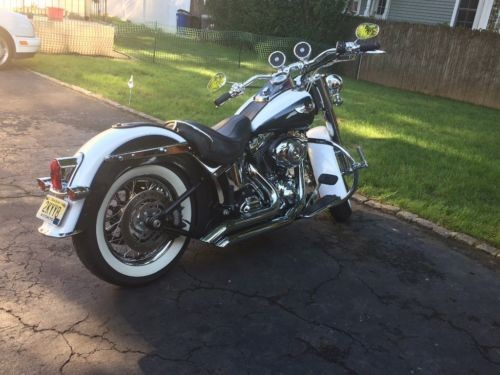 2008 Harley-Davidson Softail Pearl white and pearl black photo