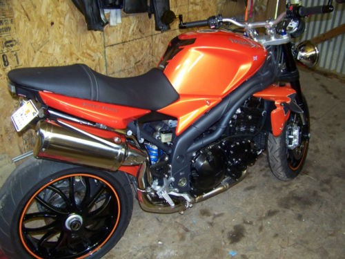 2008 Triumph Speed Triple Orange photo