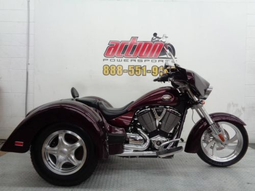 2008 Victory Kingpin Trike Burgundy photo