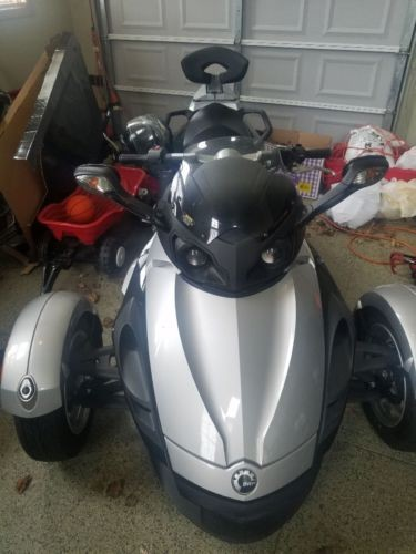 2009 Can-Am Spyder Silver photo