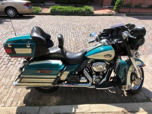 2009 Harley-Davidson Touring Deep Turquoise photo