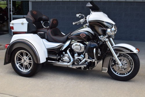 2009 Harley-Davidson Touring WHITE for sale