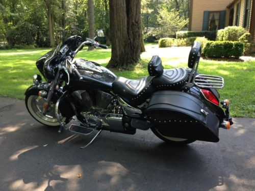 2009 Honda VTX 1300R Metallic Black photo