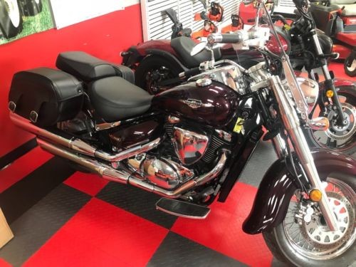 2009 Suzuki Boulevard Burgundy photo