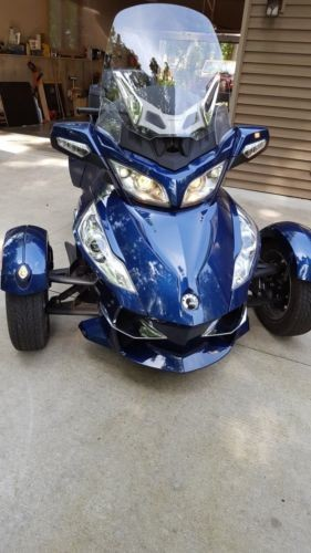 2010 Can-Am Spyder Blue photo