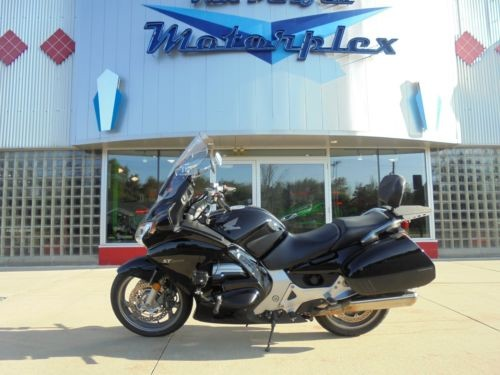 2010 Honda Honda ST 1300 Touring Black photo