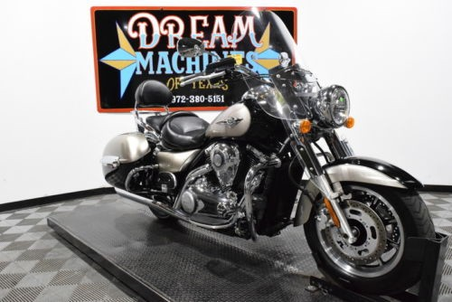 2010 Kawasaki Vulcan 1700 Nomad - VN1700C -- Black for sale craigslist