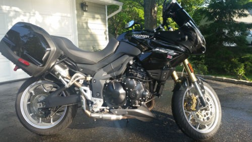 2010 Triumph Tiger Black photo