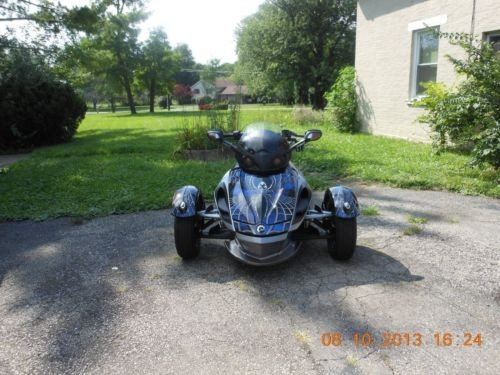 2011 Can-Am SPYDER RS CUSTOM BLACK/ BLUE SPIDER WRAP for sale craigslist