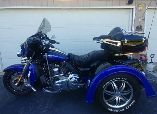 2011 Harley-Davidson Touring Black and Blue photo