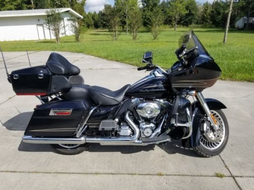 2011 Harley-Davidson Touring Black photo