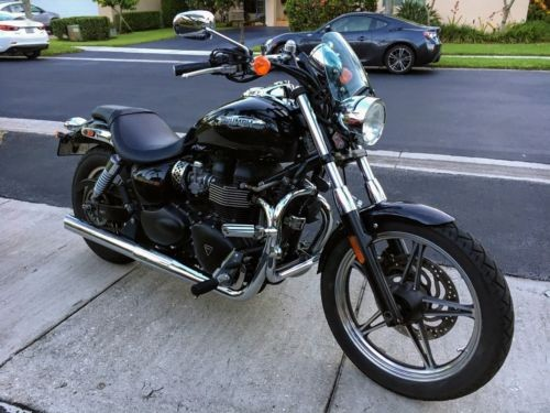 2011 Triumph Bonneville Black photo