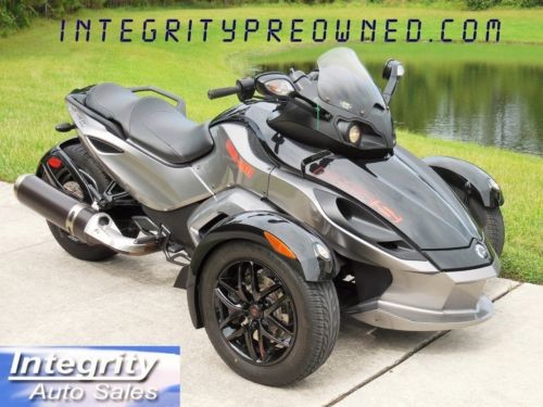 2012 Can-Am SPYDER Black photo