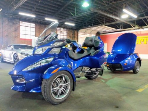 2012 Can-Am Spyder RT Roadster Blue photo