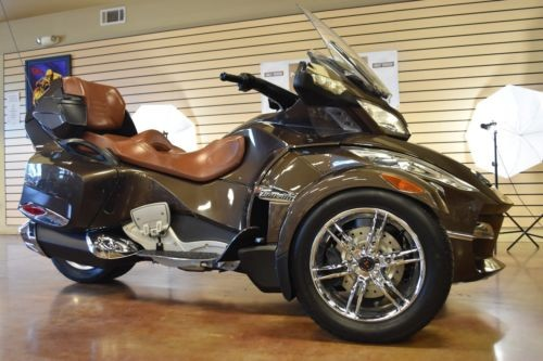 2012 Can-Am Spyder RT SE5 Limited Brown photo