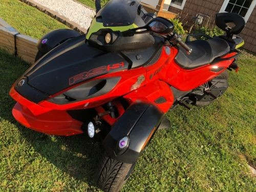 2012 Can-Am Spyder Orange photo