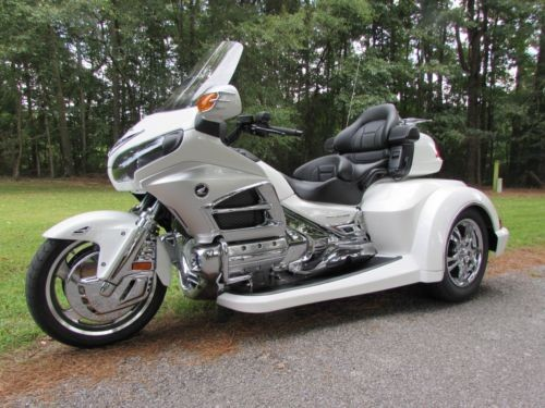 2012 Honda Gold Wing WHITE photo