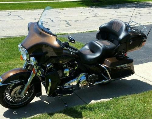 2013 Harley-Davidson FLHTK -- Bronze photo