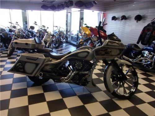 2013 Harley-Davidson Touring ROAD GLIDE CUSTOM Silver photo