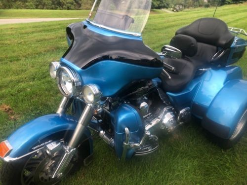 2013 Harley-Davidson Tri Glide Blue photo