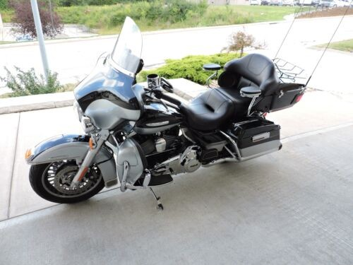 2013 Harley-Davidson ULTRA LIMITED -- Black photo