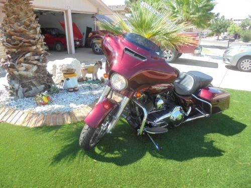 2014 Harley-Davidson Touring Burgundy photo