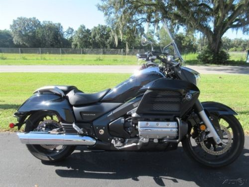 2014 Honda Valkyrie Black photo
