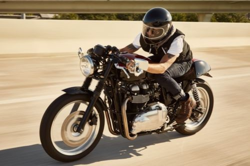 2014 Triumph Bonneville Red photo