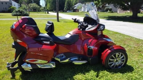 2015 Can-Am SPYDER RT LIMITED SE6 RED photo