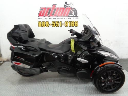 2015 Can-Am Spyder® RT-S SE6  photo