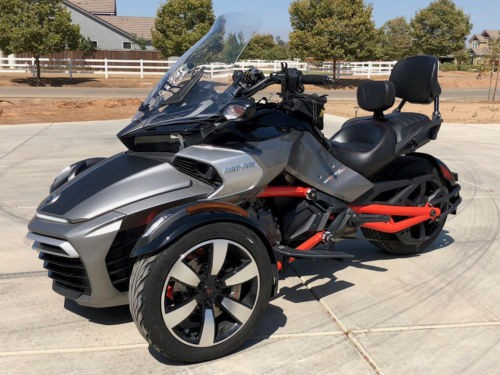 2015 Can-Am Spyder Silver photo