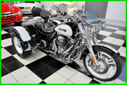 2015 Harley-Davidson FREEWHEELER TRIKE – OVER $10K IN X-TRAS – Black for sale craigslist