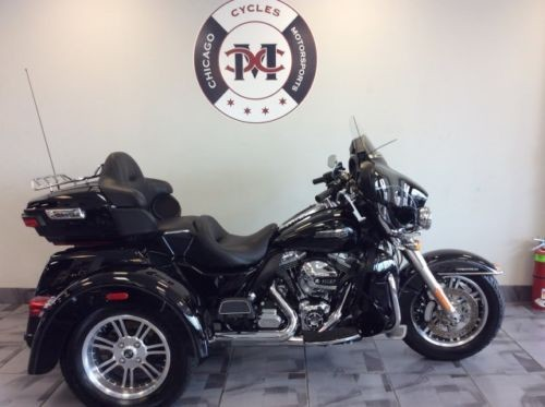 2015 Harley-Davidson Touring -- Black photo