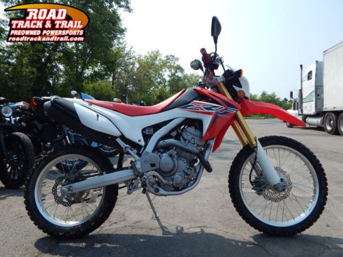 2015 Honda CRF -- Red photo