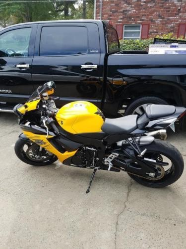2015 Suzuki GSX-R Yellow photo