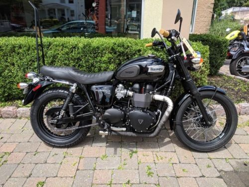 2015 Triumph Bonneville Black photo