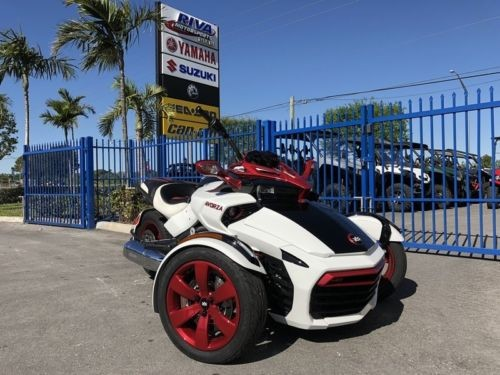 2016 Can-Am Spyder F3-S -- White photo